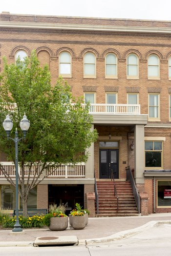 1703 Hill Ave 1-2 Beds Apartment for Rent Photo Gallery 1