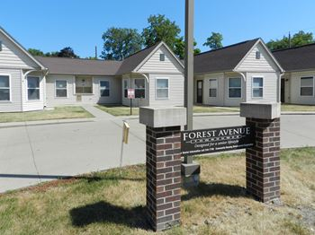 1417 Forest Ave 1 Bed Townhouse for Rent Photo Gallery 1
