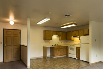 210 9th St North 2-3 Beds Apartment for Rent Photo Gallery 1