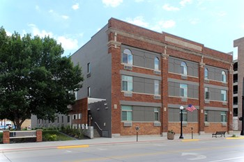 301 5Th Street 1-2 Beds Apartment for Rent Photo Gallery 1
