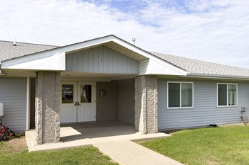 2117/2205 Central Avenue 2-3 Beds Apartment for Rent Photo Gallery 1