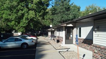 3716 Indianola Ave 1 Bed Apartment for Rent Photo Gallery 1