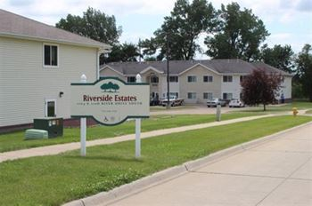 1104/1108 River Drive South 1-2 Beds Apartment for Rent Photo Gallery 1
