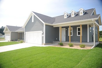 Sugar Creek Drive 3 Beds House for Rent Photo Gallery 1
