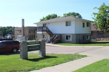 419-429 S Irene St 2-3 Beds Apartment for Rent Photo Gallery 1
