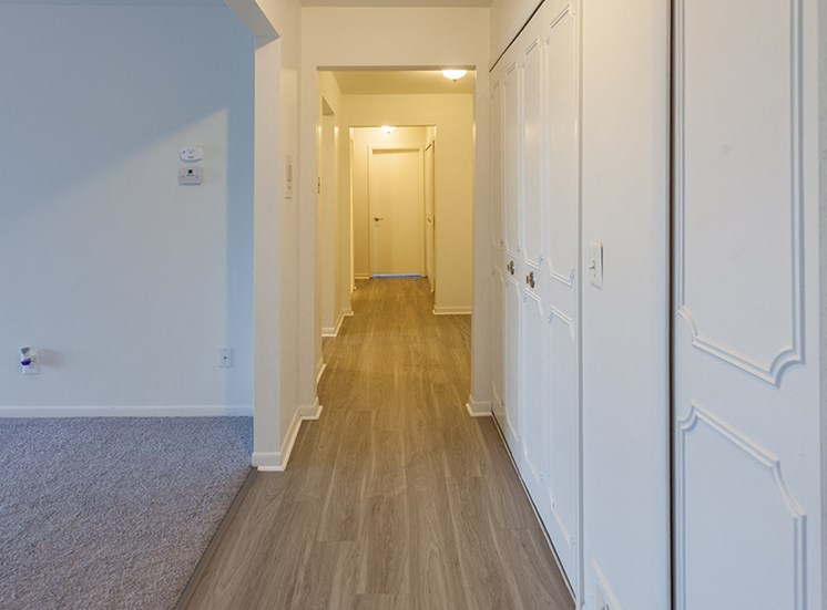 Wood Floor Laminate at Cranbrook Center Apartments,48076, MI