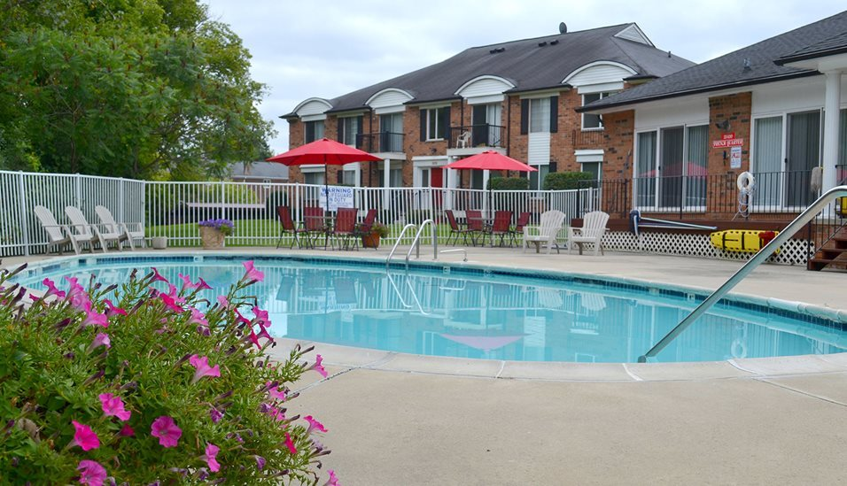Sparkling Pool at French Quarter Apartments,Michigan, 48034