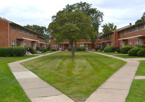 Stratford Villa - Oak Park, MI Community Thumbnail 1