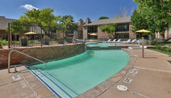 Country Club Villas with outdoor swimming pool