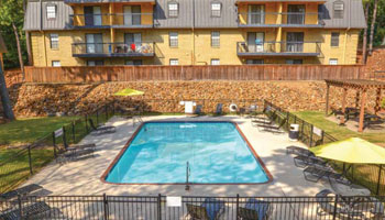 Apartments in Little Rock with an outdoor swimming pool