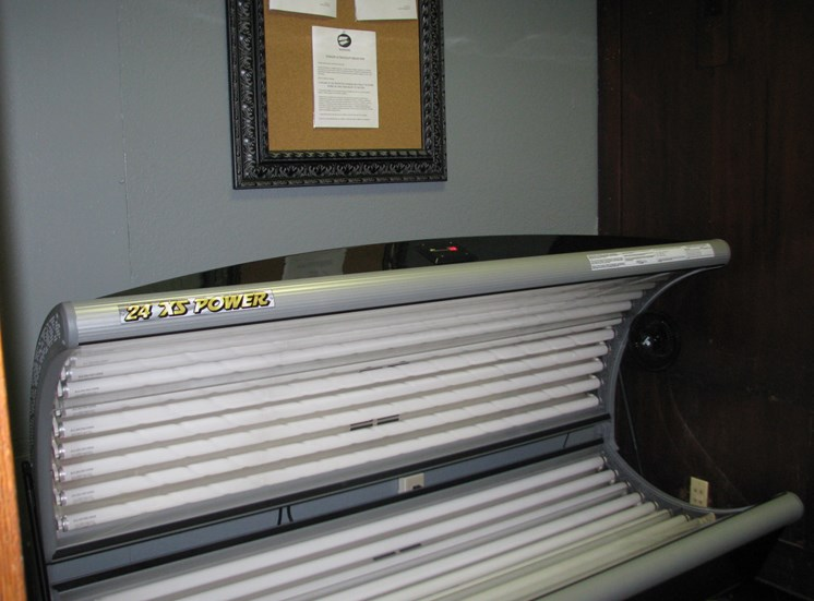 Tanning room at LeClaire Apartments in Moline, IL