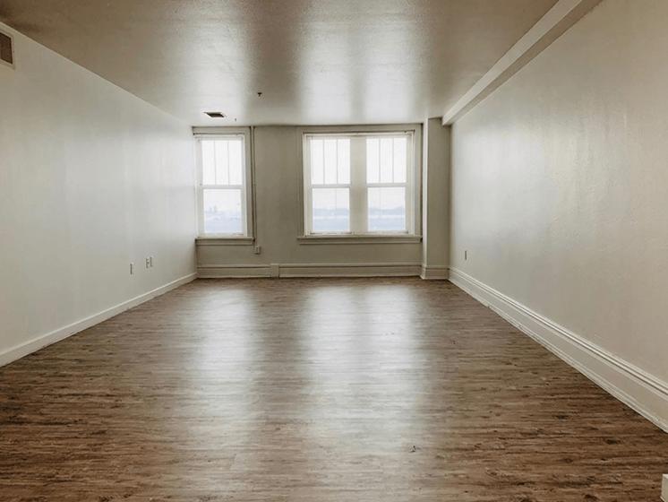 apartment bedroom in Moline, IL