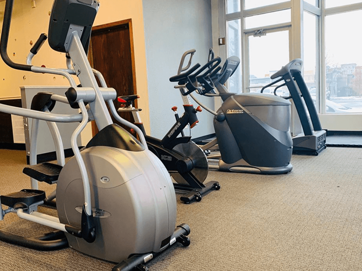 fitness center at apartments