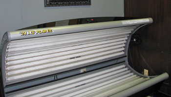 Apartments in Moline, IL with a tanning bed