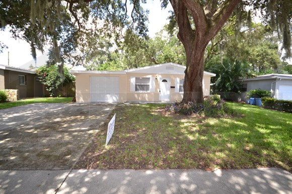 5551 82nd Avenue N, Pinellas Park, FL 33781 Photo Gallery 1