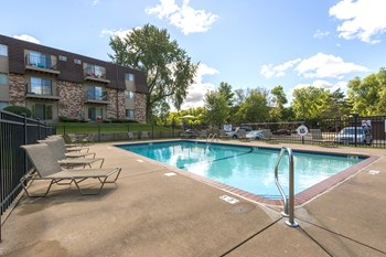 2330 Stillwater Ave E 1-2 Beds Apartment for Rent Photo Gallery 1