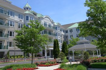 4100 Southernly Pointe Drive Studio-2 Beds Apartment for Rent Photo Gallery 1