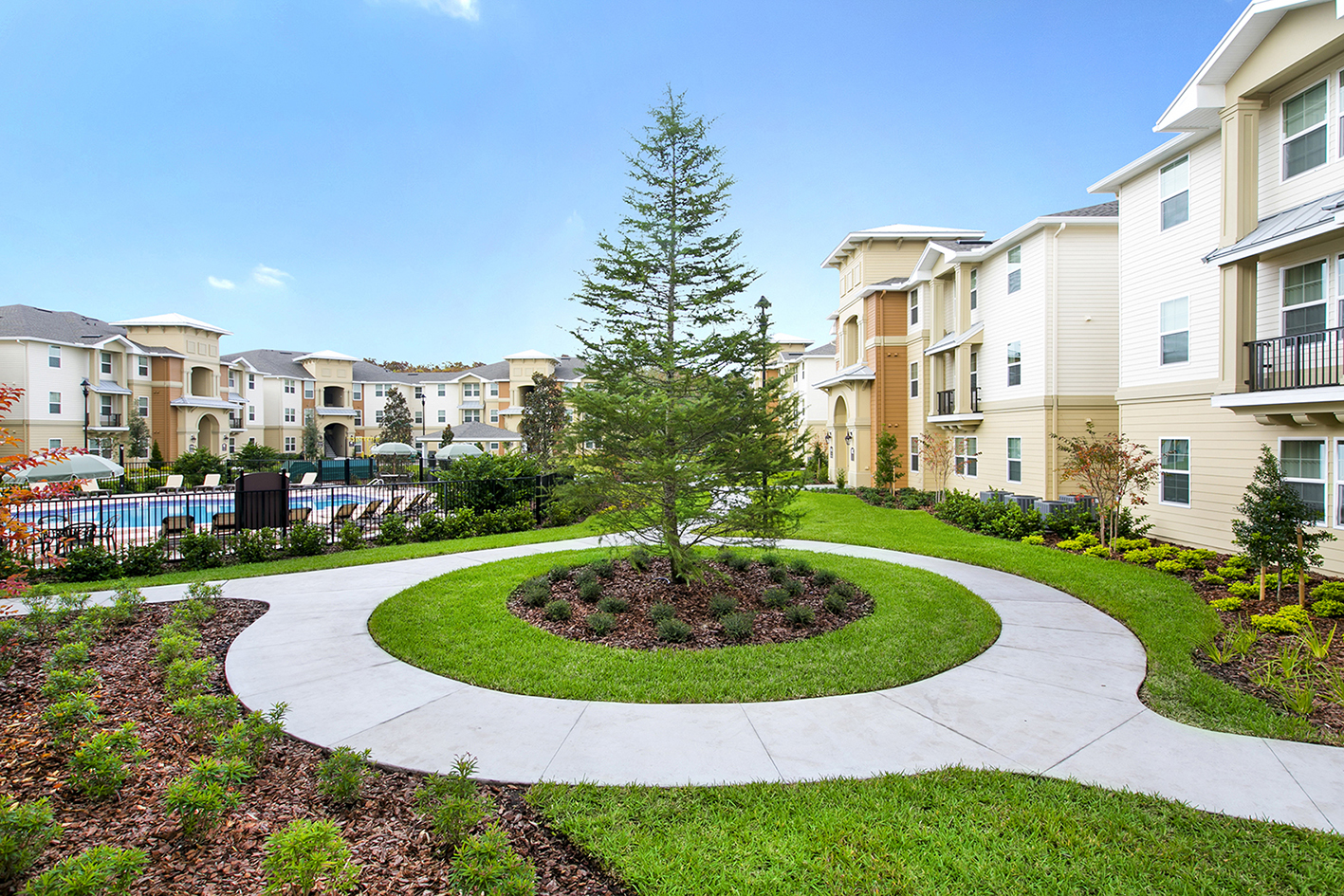 The Loop | Apartments in Kissimmee, FL |