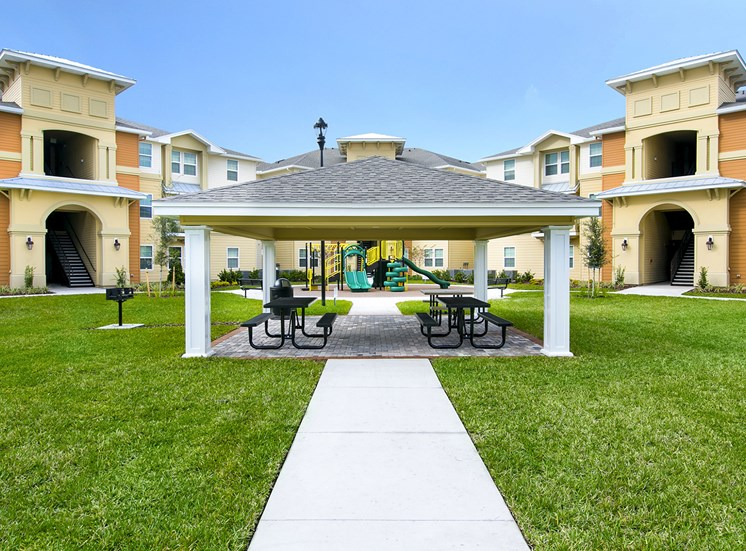 The Loop Apartments for rent in Kissimmee, FL. Make this community your new home or visit other Concord Rents communities at ConcordRents.com. Picnic area