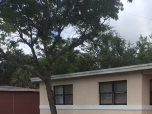 2410 NW 168 Street 5 Beds House for Rent Photo Gallery 1