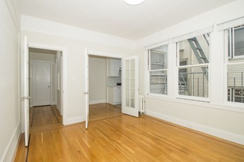 1819 Golden Gate Avenue Studio-2 Beds Apartment for Rent Photo Gallery 1