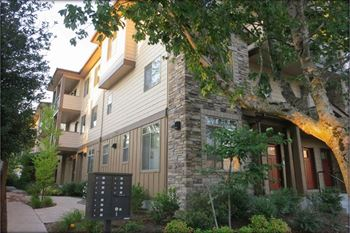723 E 17th Ave 1-4 Beds Apartment for Rent Photo Gallery 1