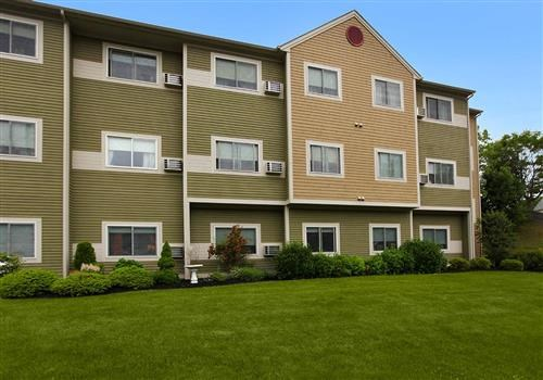 Olmsted Commons Apartments Community Thumbnail 1