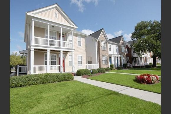 Bowling Green Iii Apartments 1420 Merrimac Avenue Norfolk Va Rentcaf