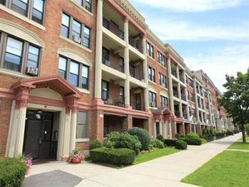132 Seaver Street, #10 1 Bed Apartment for Rent Photo Gallery 1