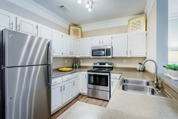 2910 Buford Drive NE 1-2 Beds Apartment for Rent Photo Gallery 1