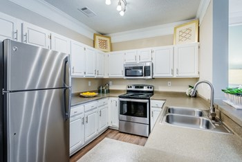 2910 Buford Drive NE 2 Beds Apartment for Rent Photo Gallery 1