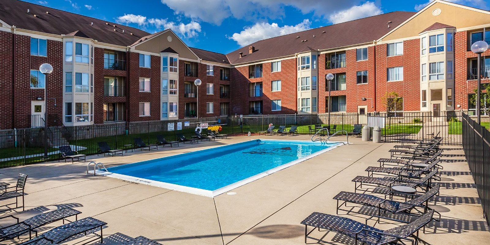 Pool Side Relaxing Area at The Pointe at St. Joseph Apartments, South Bend, IN, 46617