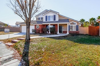 39305 Fallbrook Cir 4 Beds House for Rent Photo Gallery 1