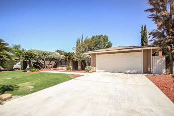 6608 Caswell Ave 4 Beds House for Rent Photo Gallery 1