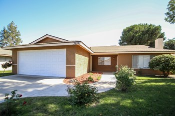 3616 S Half Moon Dr 3 Beds House for Rent Photo Gallery 1