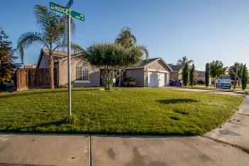 3422 Bridget Ave 4 Beds House for Rent Photo Gallery 1