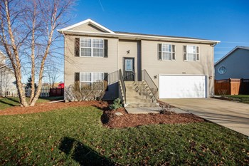 1018 Edgerton Dr 3 Beds House for Rent Photo Gallery 1