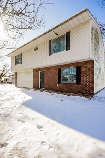 153 Highbury Dr 3 Beds House for Rent Photo Gallery 1