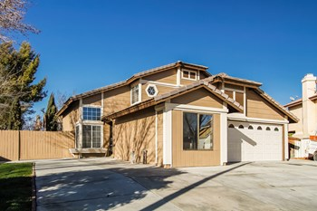 2301 Tucson St 3 Beds House for Rent Photo Gallery 1
