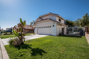 25944 Fir Ave 3 Beds House for Rent Photo Gallery 1