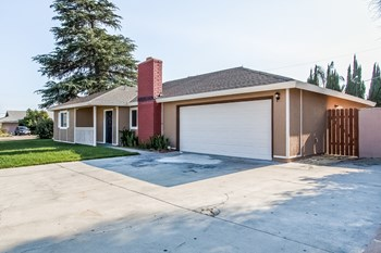 526 N Pampas Ave 4 Beds House for Rent Photo Gallery 1