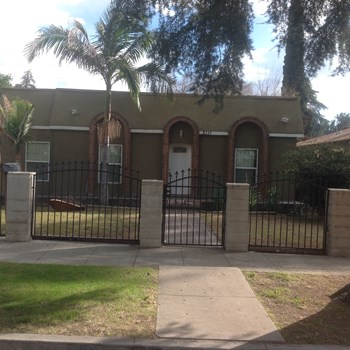 2111 Pershing Ave 3 Beds House for Rent Photo Gallery 1