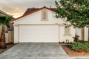 8950 Dulcimer Ln 3 Beds Apartment for Rent Photo Gallery 1