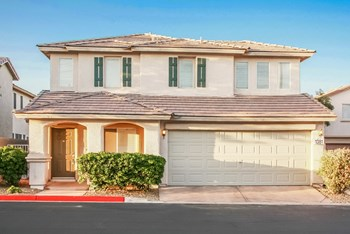 1381 Hawaiian Hills Ave 3 Beds Apartment for Rent Photo Gallery 1