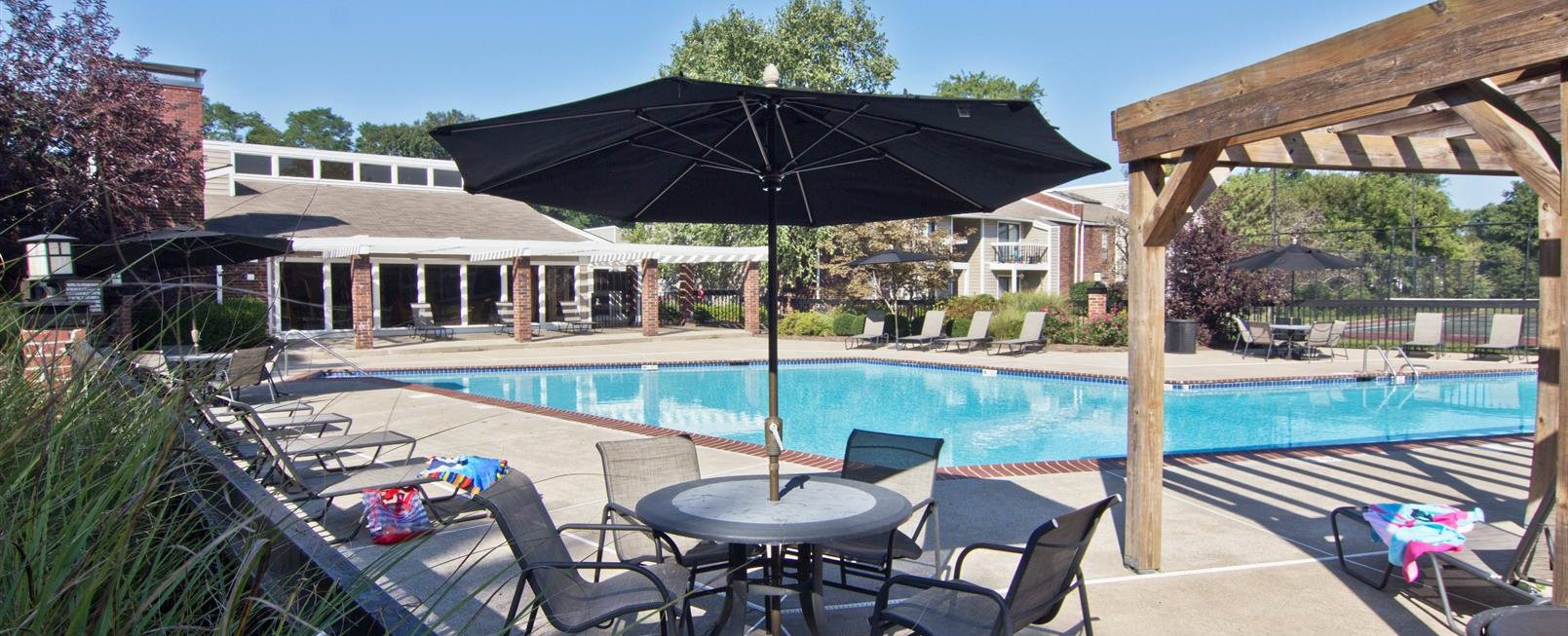 Apartments For Rent In Louisville Ky The Grove At Lyndon