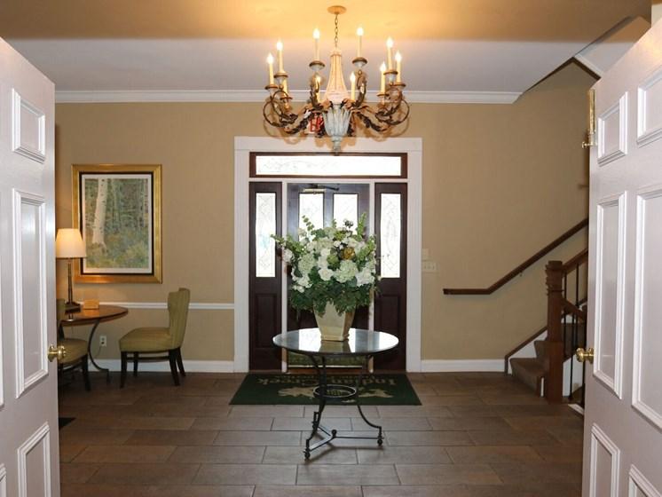 Lobby Area at Indian Creek Apartments, Ohio