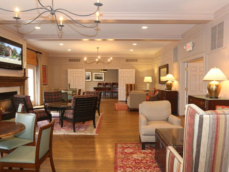 Luxurious Clubhouse With Television at Indian Creek Apartments, Ohio, 45236