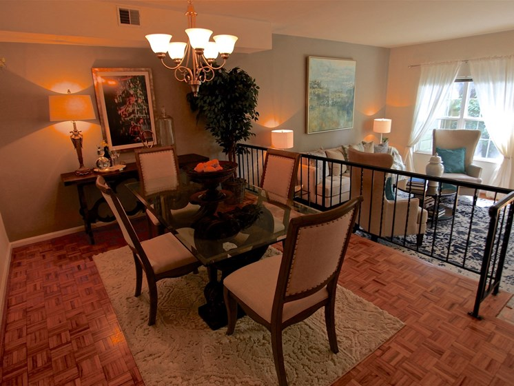 Elegant Dining Space at Indian Creek Apartments, Cincinnati