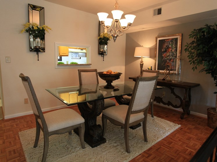 Fine Dining at Indian Creek Apartments, Cincinnati, OH, 45236