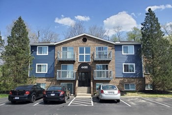 4473 Spruce Creek Dr #4 2 Beds Apartment for Rent Photo Gallery 1